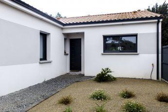 Maisons Bouvier : porche d'entrée