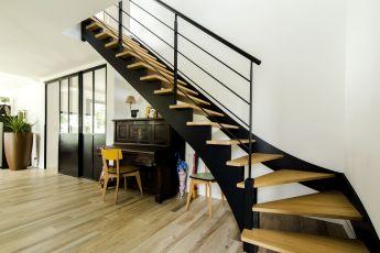 Maisons Bouvier : escalier bois