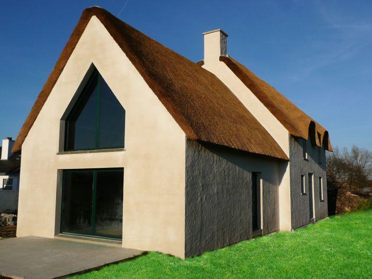 Maisons Bouvier : chaumière avec enduit taloché