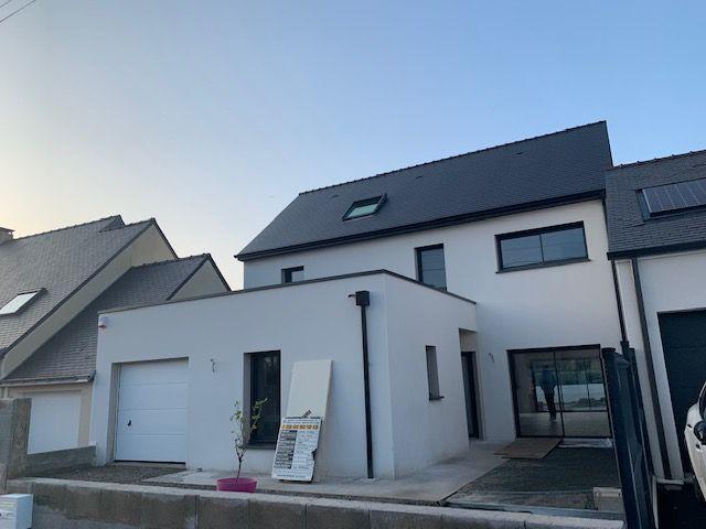 Maisons Bouvier, façade maison, toit plat et ardoise noire, nord-loire
