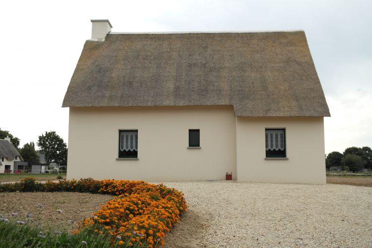 Maisons Bouvier : façade de la chaumière